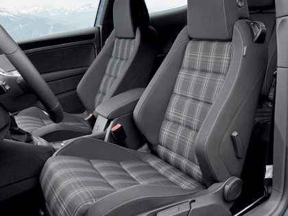 2009 Volkswagen Golf VI GTD 3-door 32