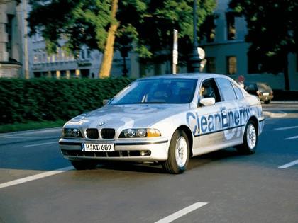 1999 BMW 523g ( E39 ) Clean Energy concept 1