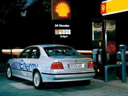 1999 BMW 523g ( E39 ) Clean Energy concept 3
