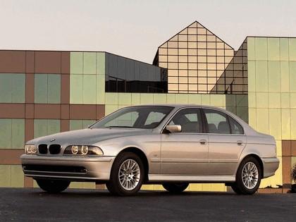 2000 BMW 530i ( E39 ) 1