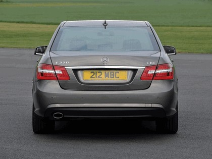 2009 Mercedes-Benz E220 CDI ( W212 ) AMG sports package - UK version 3