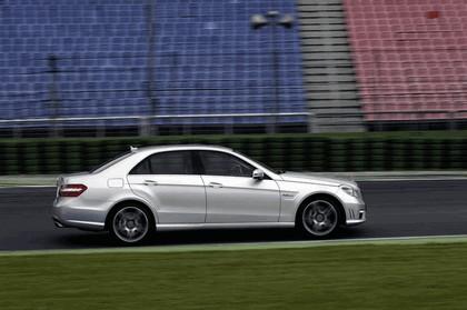 2009 Mercedes-Benz E63 AMG 12