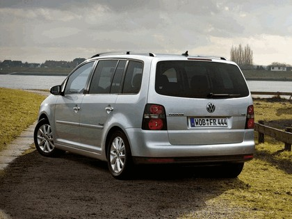 2009 Volkswagen Touran Freestyle 2