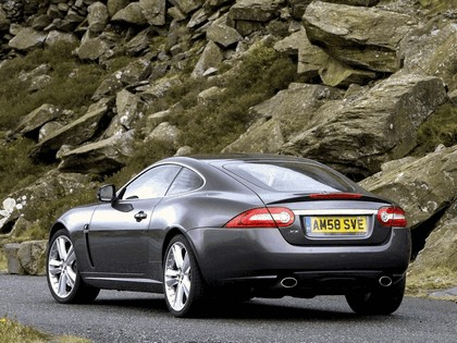 2009 Jaguar XK coupé - UK version 2