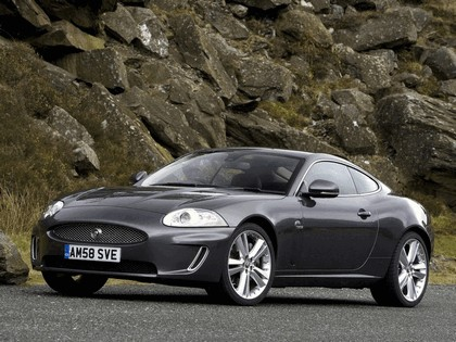 2009 Jaguar XK coupé - UK version 3
