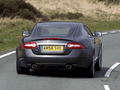 2009 Jaguar XK coupé - UK version 9