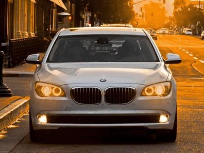2009 BMW 750Li ( F02 ) - USA version 3