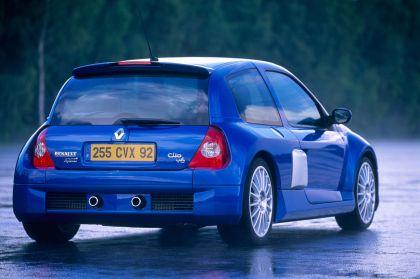 2003 Renault Clio V6 14