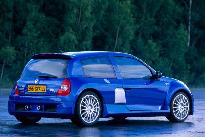 2003 Renault Clio V6 15