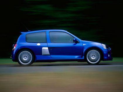 2003 Renault Clio V6 18
