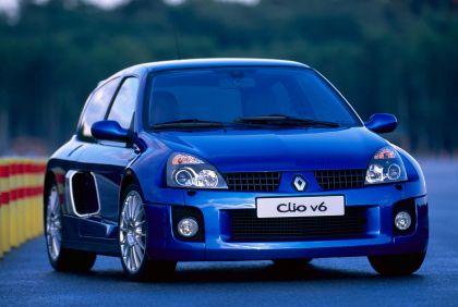 2003 Renault Clio V6 21