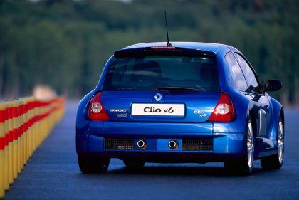 2003 Renault Clio V6 23