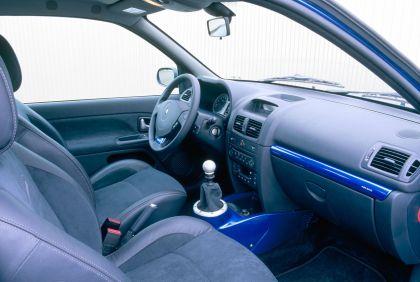 2003 Renault Clio V6 38