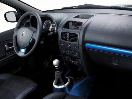 2003 Renault Clio V6 39