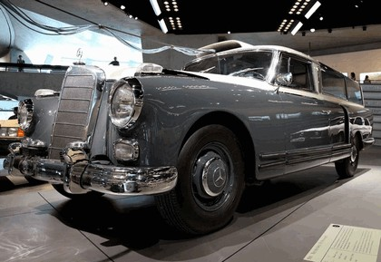1960 Mercedes-Benz 300 Messwagen 1