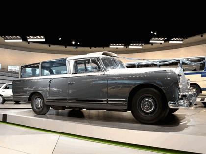 1960 Mercedes-Benz 300 Messwagen 3