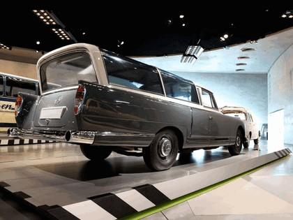 1960 Mercedes-Benz 300 Messwagen 7