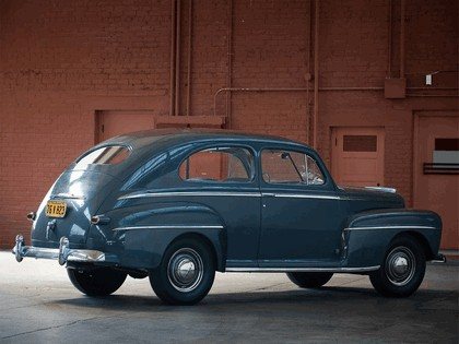 1947 Ford Super Deluxe Tudor sedan 2