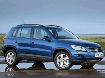 2008 Volkswagen Tiguan Track & Field - UK version 1