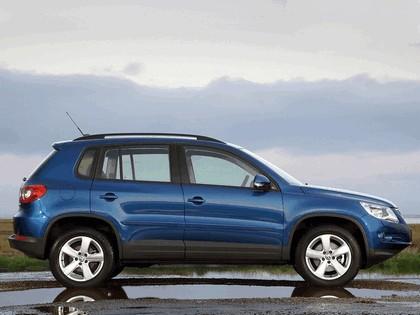 2008 Volkswagen Tiguan Track & Field - UK version 2