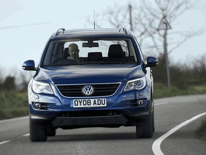 2008 Volkswagen Tiguan Track & Field - UK version 4