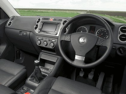 2008 Volkswagen Tiguan - UK version 13