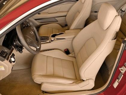 2009 Mercedes-Benz E550 ( C207 ) coupé - USA version 4
