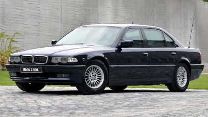 1998 BMW 750iL ( E38 ) Security 3