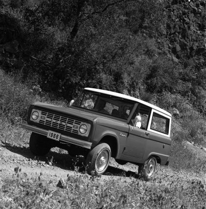 1966 Ford Bronco 18