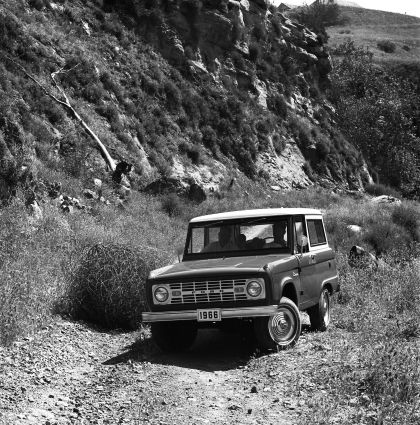 1966 Ford Bronco 21