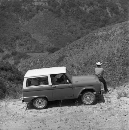 1966 Ford Bronco 26
