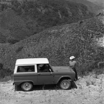 1966 Ford Bronco 27