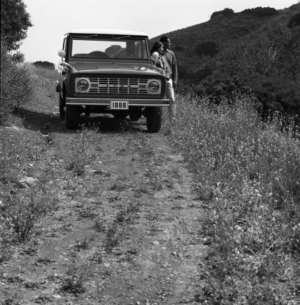 1966 Ford Bronco 28