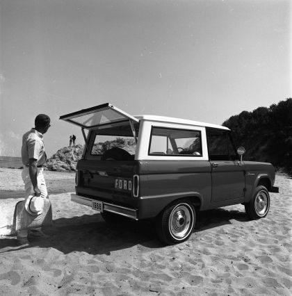 1966 Ford Bronco 37