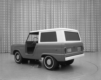 1966 Ford Bronco 40