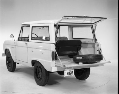 1966 Ford Bronco 73