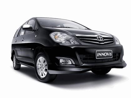 2009 Toyota Innova V 1