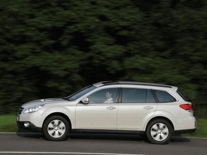 2009 Subaru Outback 2.0d 11