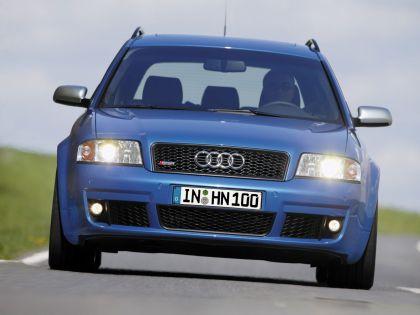 2004 Audi RS6 Avant 1