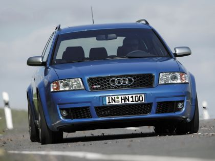 2004 Audi RS6 Avant 2
