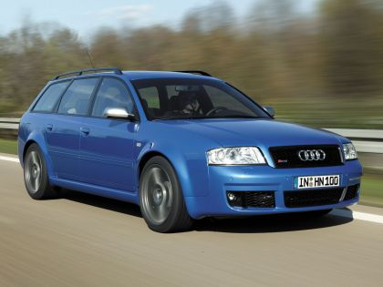 2004 Audi RS6 Avant 3