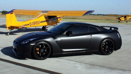 2009 Nissan GT-R R35 by Avus Performance 1