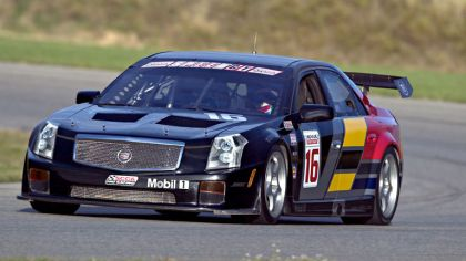 2004 Cadillac CTS-V race car 9