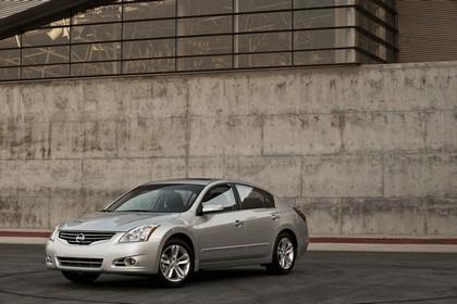 2010 Nissan Altima sedan 2