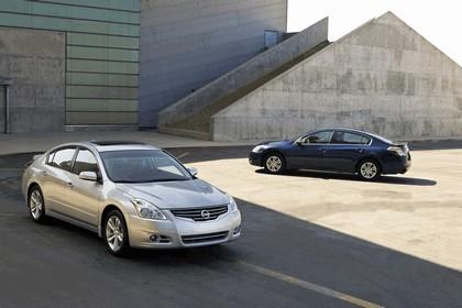 2010 Nissan Altima sedan 4