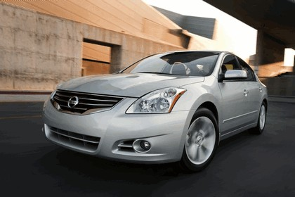 2010 Nissan Altima sedan 7