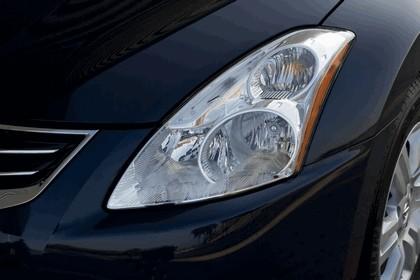 2010 Nissan Altima sedan 18
