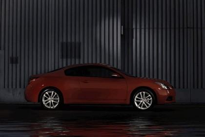 2010 Nissan Altima coupé 10