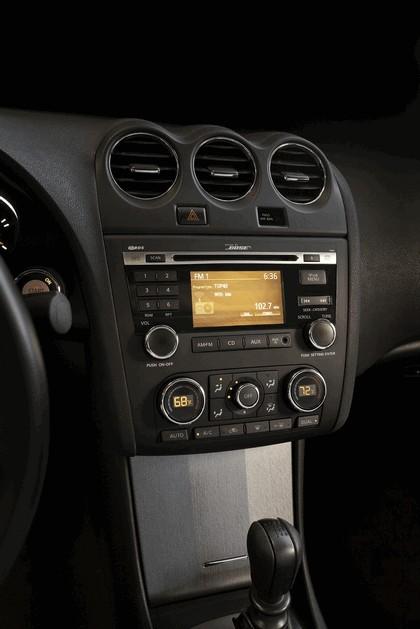 2010 Nissan Altima coupé 24