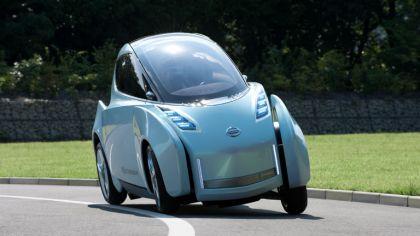 2009 Nissan Land Glider concept 7